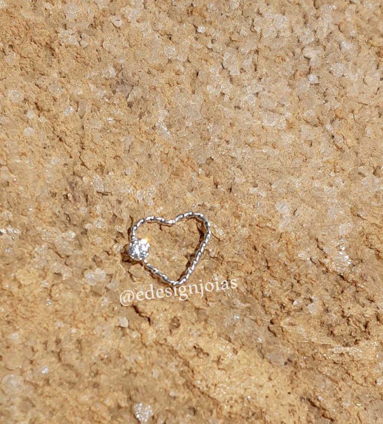 Piercing Coração fio trança com pedra