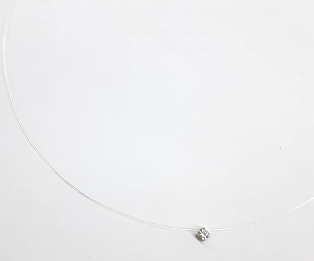 Colar Invisible ouro 18k com Diamante